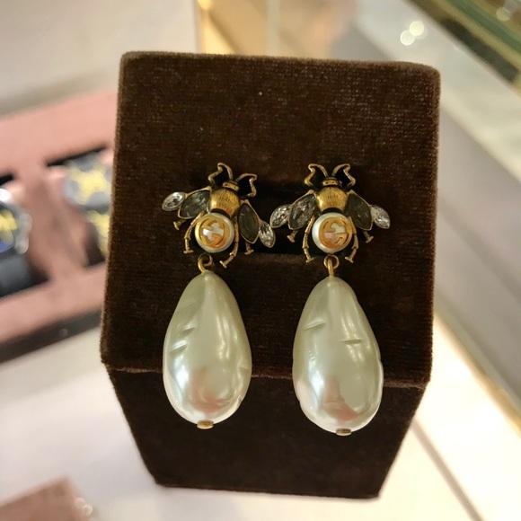 \u203c️ SOLD \u203c️ Gucci Cream Pearls Bee Drop Earrings